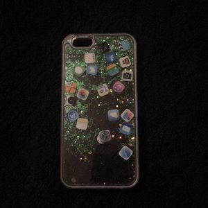 Accessories - Clear glitter phone case with apps